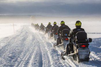 snowmobiles-1145179_960_720